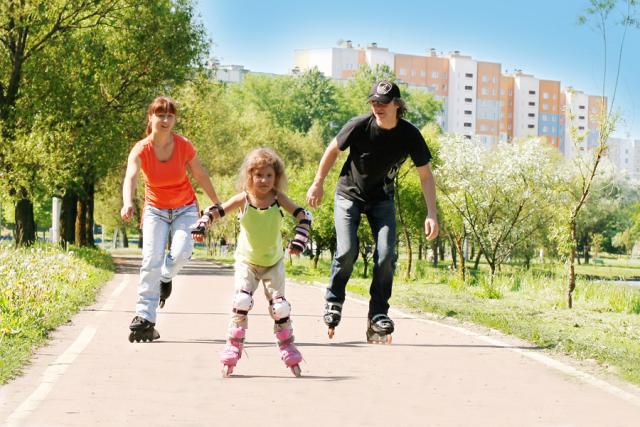 Постарайтесь найти время для общения с ребенком и совместных занятий.
