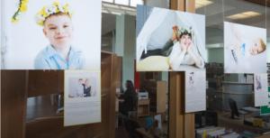 выставка портретов детей-аутистов